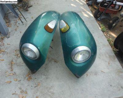 Pair of 73 super beatle fenders