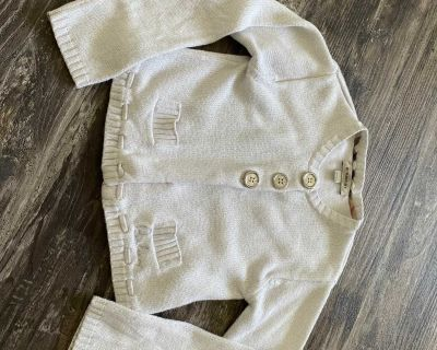 EUC authentic Burberry sweater 6 years, pick up in steveston.