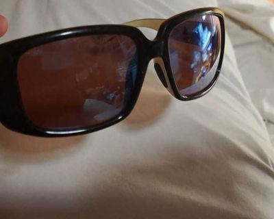 Limited edition kenny Chesney costas