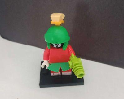 Lego Looney Tunes Marvin the Martian Minifigure