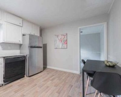 Room for Rent - a 14 minute walk to bus 24, Decatur, GA 30032 1 Bedroom House