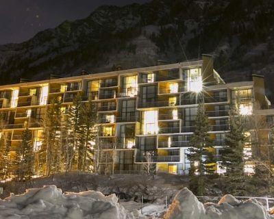 NEW YEAR'S EVE - SKIING UTAH - Dec. 28, 2019 - Jan 4th, 2020 - Snowbird, UT - Salt Lake Mountain Resorts