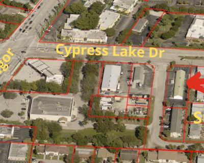 Office/Professional Building on Cypress Lake Dr