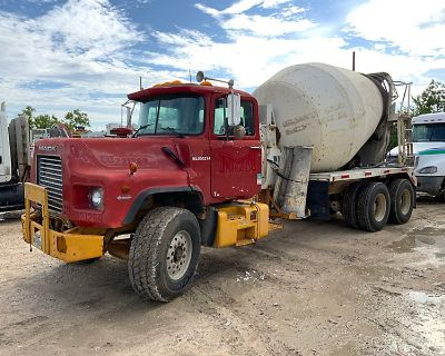 1999 MACK DM690S Concrete Mixer, Pump Trucks Truck