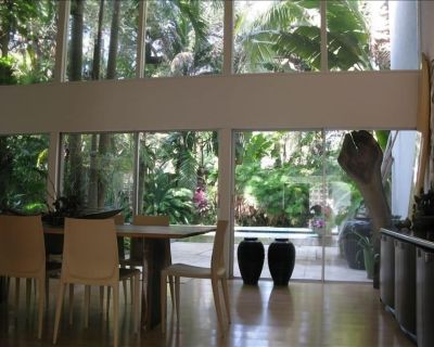 Peaceful, artistically decorated home, quiet neighborhood. - Northeast Coconut Grove