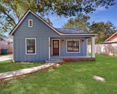 1006 Cedar St #1, Hearne, TX 77859 3 Bedroom Apartment