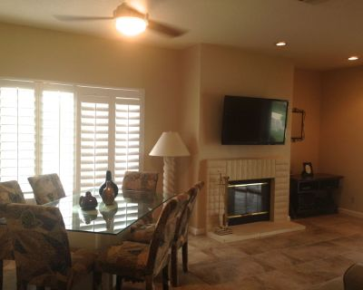 Interior upgrades, smart electronics, private patios-steps to olympic pool & spa - Palm Desert