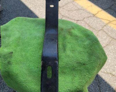 Bus rear bumper bracket