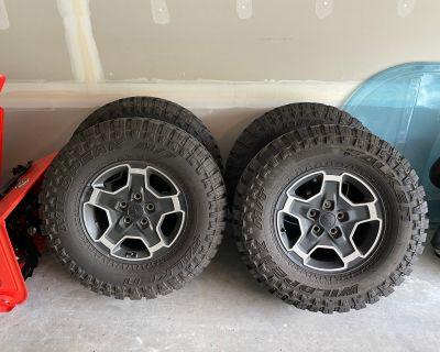 New York - Mojave (premium) Wheels/Tires w/spare Falken Wildpeak MT, w/TPMS