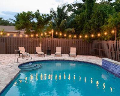 Sunny Retreat w/ Large Private Pool & Grill, Near Championship Golf & Tennis - Pompano Beach