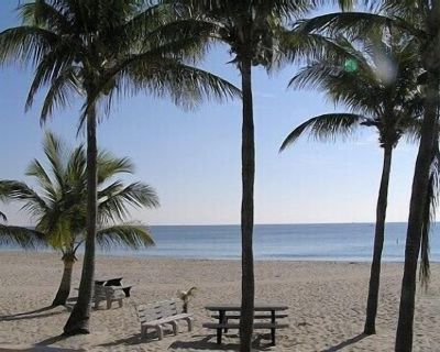 Private Paradise Vacation Home w/ Heated Pool, Hot Tub, BBQ Grill - Sunrise