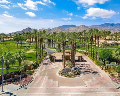 Beautiful Condo on Golf Course With Breathtaking Views - Indian Wells