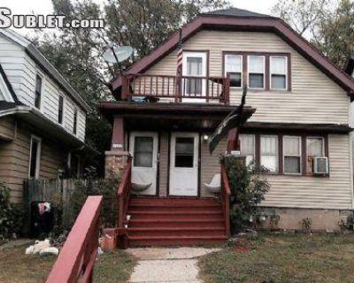 Michigan St Milwaukee, WI 53233 2 Bedroom House Rental