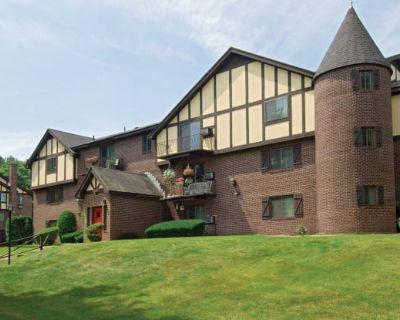 Royal Crest Warwick Apartment Homes