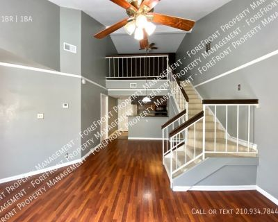 Upstairs One Bedroom/One Bath Condo Near Medical Center