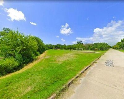 Gorgeous Lot, Ready to Build in Texas City - Lot 30 Phillips St Texas City TX 77591