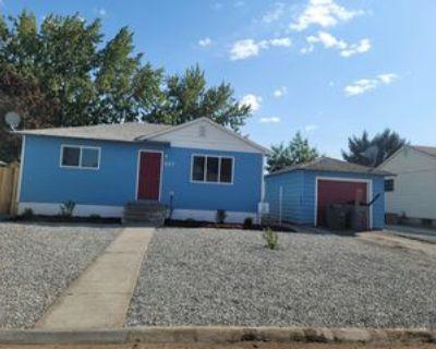 607 Blue St #607, Richland, WA 99354 3 Bedroom Apartment