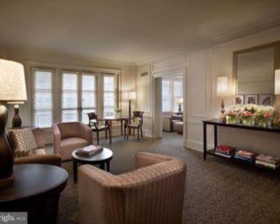 135 S 18th St #403, Philadelphia, PA 19103 1 Bedroom House