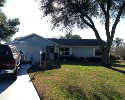 Beautifully Decorated 2 Bedroom 2 Bath Home With Free Wifi & Dog Friendly! - Lady Lake