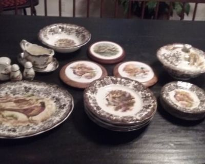Royal Worchester China. Complete set