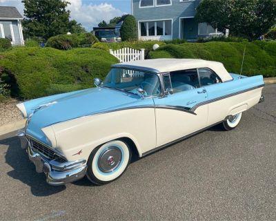 1956 Ford Skyliner