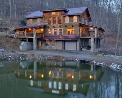 Beautiful mountain lodge, great for large families, groups, & retreats. - Mars Hill