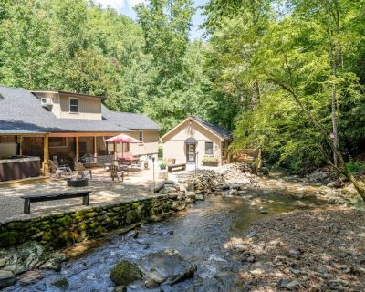 Creek Haven - 4BR/3BA - Sleeps 10 - Gatlinburg