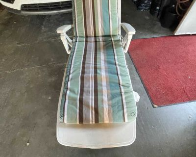 White Resin Foldable Patio Lounger with Cushion
