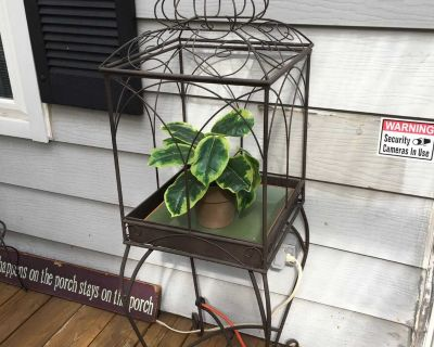 Indoor or outdoor plant stand, made of metal