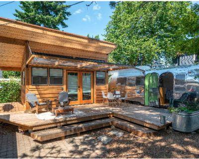 Beautiful Backyard Studio and Airstream Retreat
