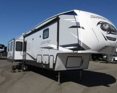 2021 Forest River Cherokee Arctic Wolf 3880SUITE