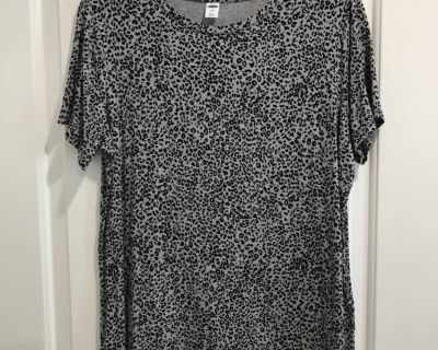 Soft Old Navy top, size large