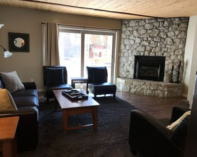 Beautiful Level Entry 3 Bedroom, 2 Bath Tahoe Cabin - Incline Village