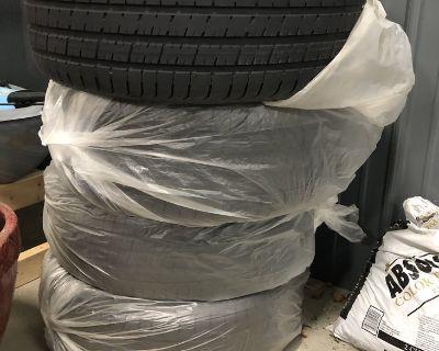 Pirelli P Zero Summer 4 tire set, AMG C43 - like new