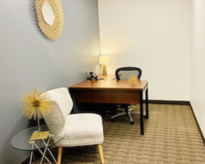Private Office for 3 at US Bank Tower
