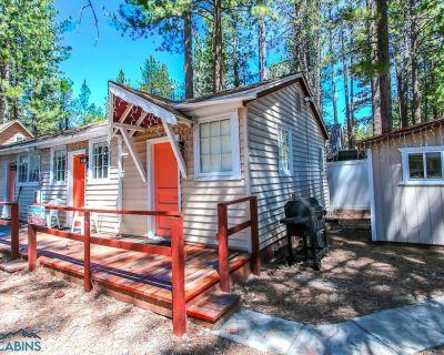 Big Bear 4 Seasons Lodge - FREE Kayak/Bike Rental! - 1BR/1BA/HBO/WiFi/Walk to Lake - Big Bear Lake