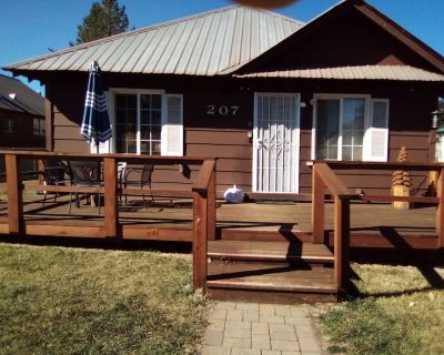 Country Cottage - Family- pet friendly Getaway!!! 1 800 824-6322 - Westwood