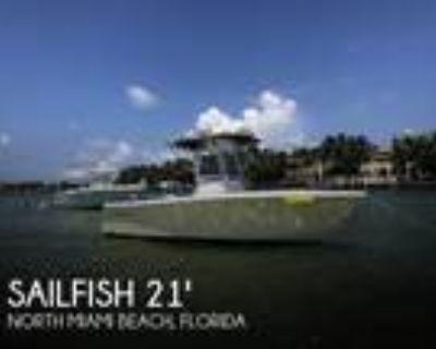 21 foot Sailfish 218 Center Console