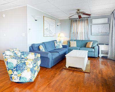 Oceanfront Happy House Duplex w/ WiFi, W/D, Ocean Views & Beach Access! - North Ocean City