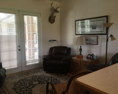 Beautiful 1 BR 1 Bath Inlaw Suite on Quiet 6 Acre Homestead. - Wedgefield