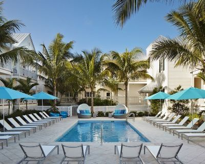 Best Vacation, 4 Modern Units, Bar, Pool, Gym - Historic Seaport