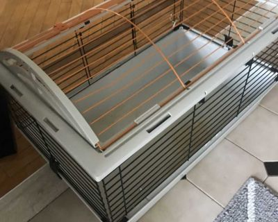 Cage pour petit animal Cage for pet rabbit or guinea pig