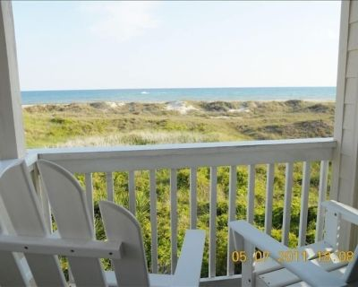 Come Let the Daily Grind Be Whisked Away by the Ocean Breeze. - Atlantic Beach