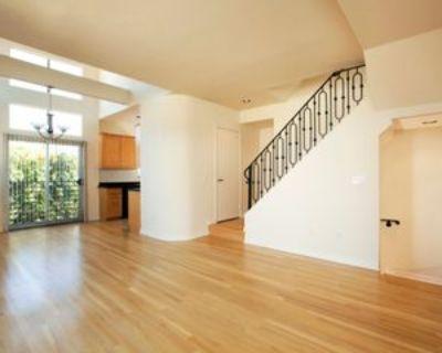 900 North Croft Avenue #4, Los Angeles, CA 90069 1 Bedroom Apartment