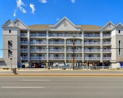 Mariners Watch - spectacular 4 br condo, spacious, beautiful, airy, bright! Great bayviews &pool. - Ocean City