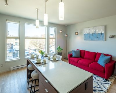 Super Clean, LEGAL, 3rd Flr 1 BR in Old/China Town - Downtown Victoria