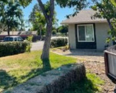 Private room with shared bathroom - Citrus Heights , CA 95621