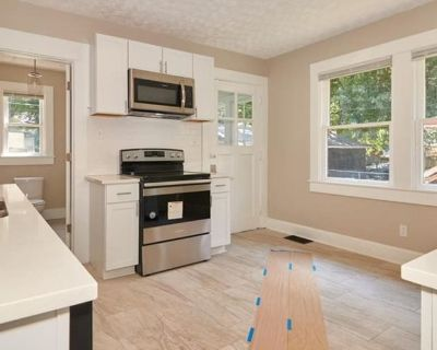 Private room with shared bathroom - Indianapolis , IN 46208