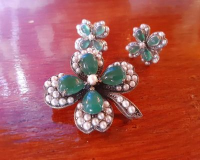Vintage four leaf clover / Shamrock earrings and pin / pendant