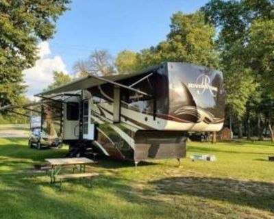 Buy from the owner - 2019 Forest River Riverstone 39RKFB
